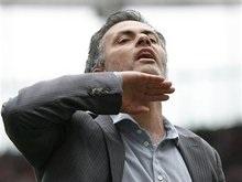 Барселона объяснила, почему им не подходит Моуриньо