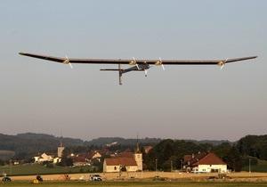 В Швейцарии самолет на солнечных батареях отправился в 24-часовое путешествие
