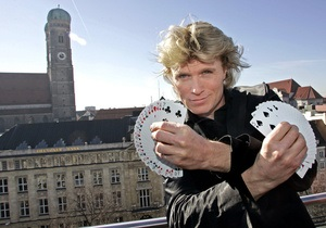 Голландского иллюзиониста оштрафовали за кражу трюков