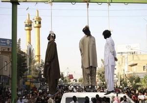 В Иране двух мужчин приговорили к смертной казни за распитие алкоголя