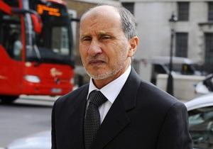 Главному противнику Каддафи предъявили обвинение в злоупотреблении властью