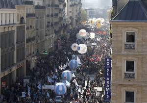 Саркози приказал применить силу против бастующих