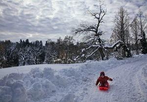 За минувшие сутки с киевских дорог убрали 7,5 тыс тонн снега