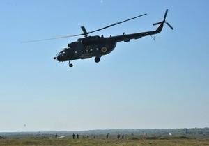 В Кременчуге упал вертолет, два человека пострадали