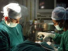 Индийские врачи прооперировали младенца, родившегося с сердцем наружу