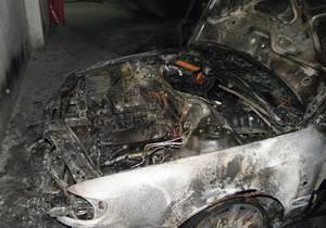 новости Киева - поджог - автомобили - Отомстили за друга. В Киеве задержаны трое подозреваемых в поджоге автомобиля