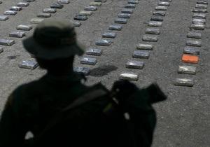 В Венесуэле силовики обнаружили на борту небольшого самолета тонну кокаина