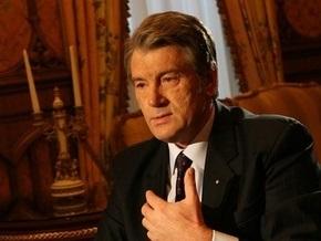 Ющенко дал орден ректору МГУ