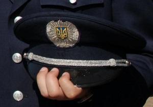 В Киеве на протесте против захвата автостоянки неизвестные применили слезоточивый газ