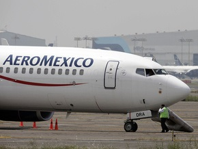 Экипаж покинул захваченный в Мексике самолет. Захватчиков задержали