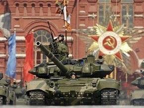 Опрос: Более половины россиян доверяют армии и СМИ