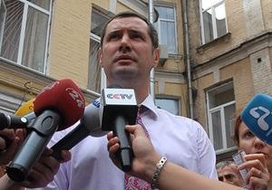 Защитник Тимошенко хочет завершить адвокатскую карьеру