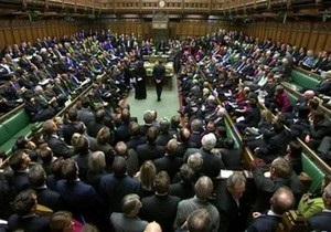 В Британии депутатам запретили писать в Twitter