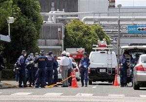 Потерявший работу японец протаранил 11 человек на автомобильном заводе