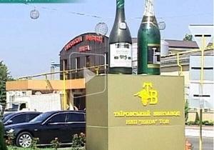 Поселок в Одесской области залило вином
