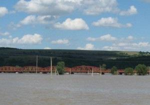 ГАИ перекрыла мост через Днестр, соединяющий Ивано-Франковскую и Тернопольскую области