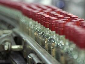Беларусь резко повышает минимальные цены на водку