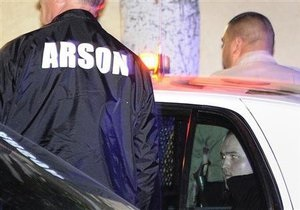 Мать поджигателя из Лос-Анджелеса арестована за неоплату услуг по увеличению груди