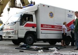 СМИ: Нетрезвый житель Мариуполя дважды прыгнул с восьмого этажа и остался жив