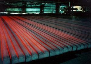 СМИ: Украинские металлурги снижают производство