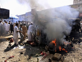 Число жертв теракта в Пакистане достигло 49 человек