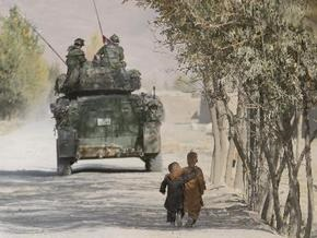 Четыре афганских ребенка погибли, играя со снарядом