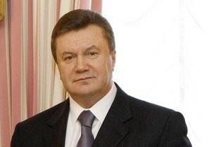 Янукович поручил Азарову провести ревизию законопроектов Кабмина Тимошенко