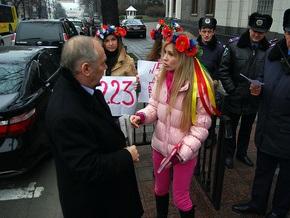 FEMEN установит под Верховной Радой пост №5223