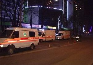 В Киеве машина скорой помощи сбила пешехода