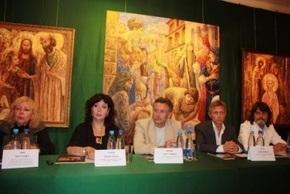 Украинские художники, представленные в залах Метрополитен музея и National Arts Club на 7 фестивале «Наше наследие» в Нью-Йорке делятся впечатлениями с представителями СМИ