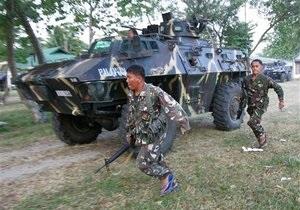 Захватившие десятки заложников на юге Филиппин бандиты готовы сдаться