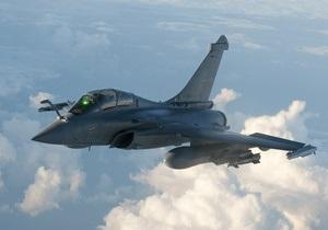 Самолеты НАТО бомбят оплот Каддафи
