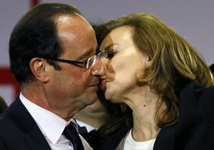 Подруга президента Франции судится с прессой