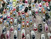 В магазинах Британии появились раздвижные детские ботинки