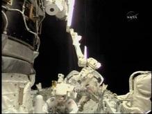 Американские астронавты совершат третий выход в космос
