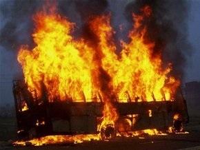 В Индии сгорел автобус с паломниками: 40 человек погибли