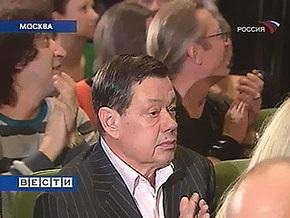 Медведев наградил орденом Николая Караченцова