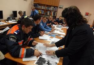 Фотогалерея: Йес, ай ду. Киевские милиционеры взялись учить английский