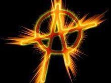 Греческие анархисты сожгли машину российского консульства