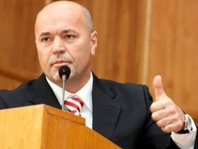Ъ: Ратушняк обозвал бомжами своих соперников на выборах
