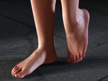 Как уберечь свои ноги летом