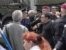Севастополь: произошла потасовка между представителями УНА-УНСО и пророссийских организаций