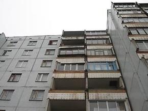 После трехнедельного празднования россиянин выбросился с балкона, приветствуя Новый год