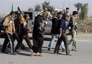 При взрыве в Ираке погибли 28 паломников