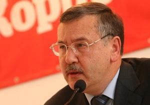 Гриценко обвинил Януковича в игнорировании предвыборных обещаний