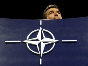 Расмуссен рассказал, как далеко Украина от членства в НАТО