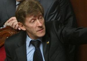 Депутат признался, что отдал месячную зарплату на лечение Забзалюка