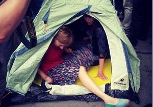 Активисты движения Стоп цензуре! установили палатку у здания МВД