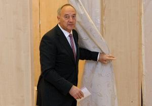 Президент Латвии против признания русского языка вторым государственным