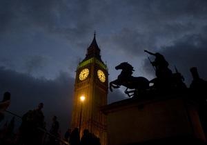 Российский художник установил в центре Лондона 5-метровую статую Чингисхана